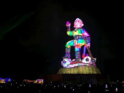 Taiwan Lantern Festival in Taoyuan photo by Leon