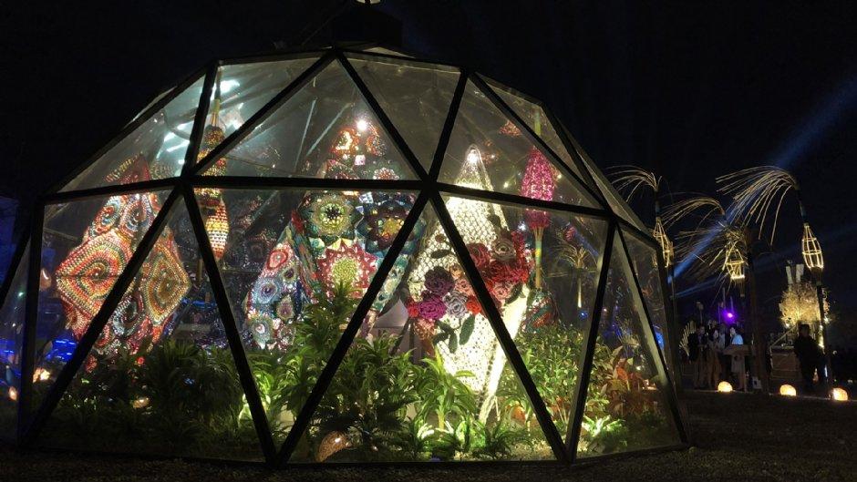 嘉義燈會現場有許多使用複合媒材製作的繽紛花燈