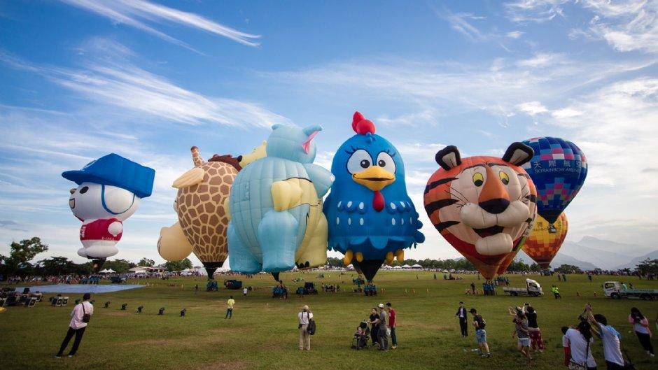 台灣熱氣球嘉年華有各種可愛的造型熱氣球