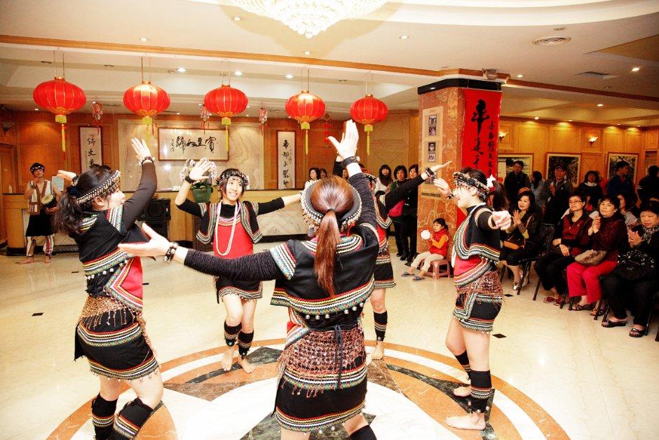 帝綸溫泉渡假大飯店原住民舞蹈表演