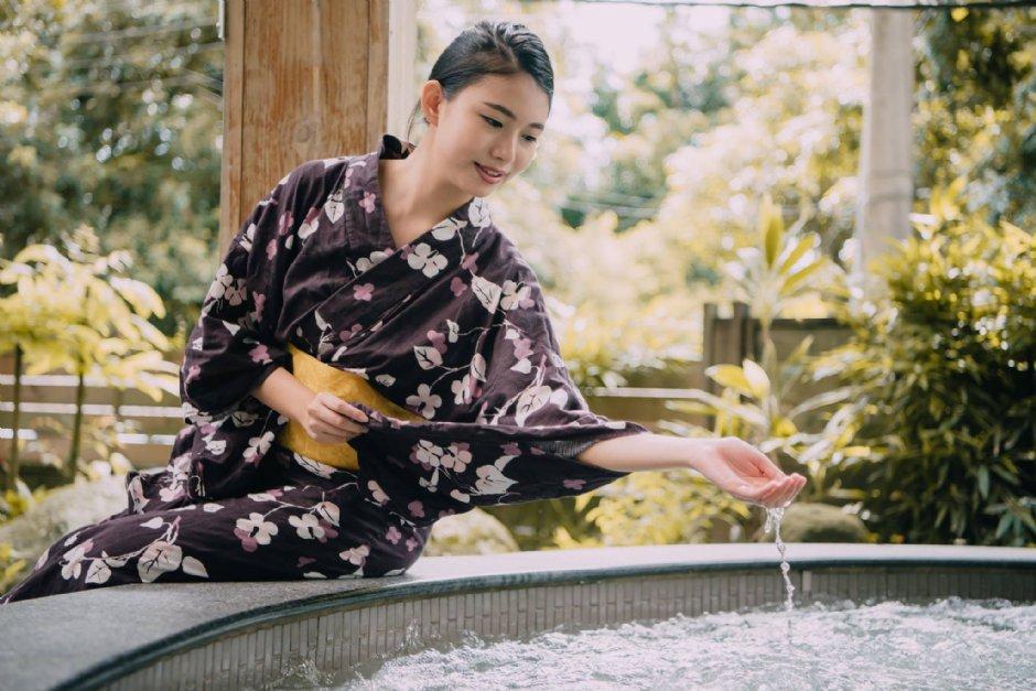 關子嶺溫泉美食節活動期間,假日市集有DIY手作、免費浴衣體驗