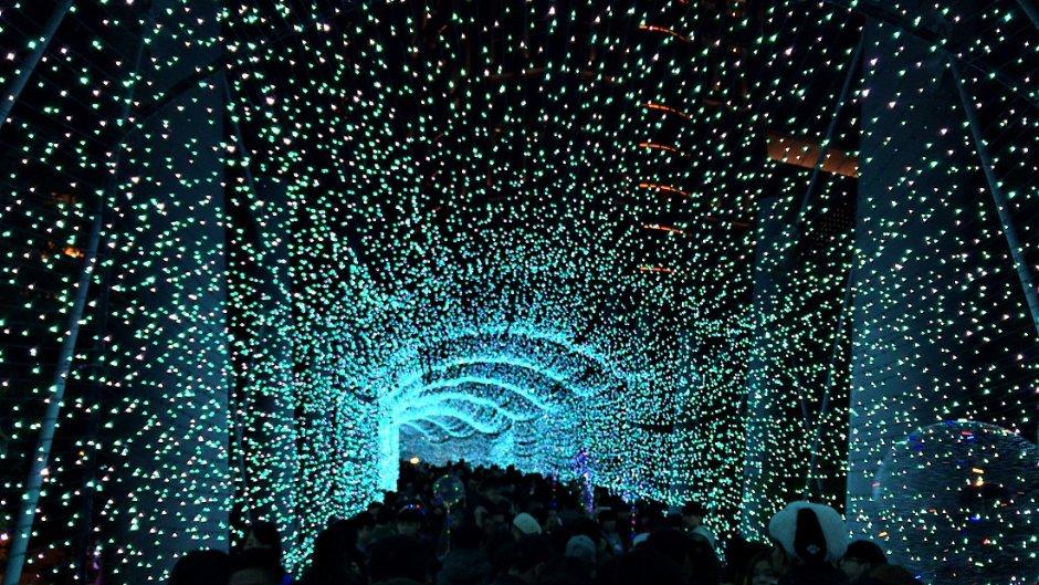 今年市府將打造更多顏色的燈光隧道