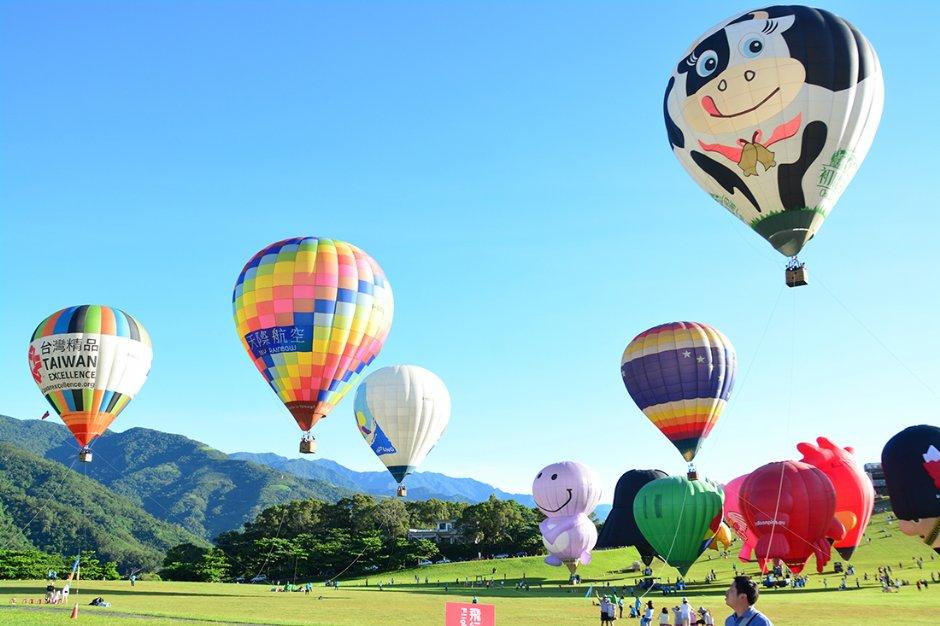 每年暑假人氣最旺的台東熱氣球活動