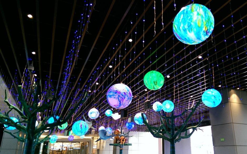 「CITY LINK南港店」於開幕初期展出《幾米吹泡泡裝置展》