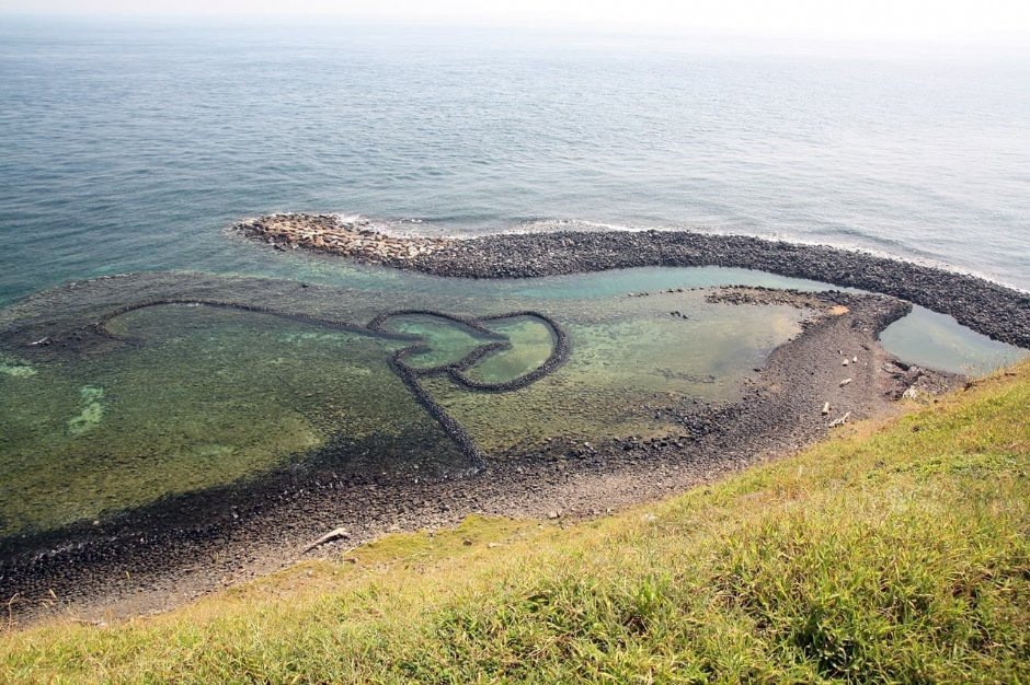 雙心石滬是澎湖目前保存最完整的傳統捕魚工法