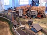 願景館中的礦場還原景<br/> 攝影:xcatx