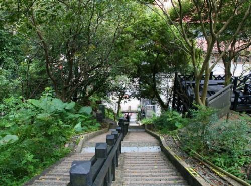 烏來溫泉-瀑布路景觀