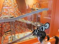 77乳加巧克力生產線<br/> 攝影:黃儒永