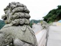 石獅背後<br/> 攝影:陳銘祥