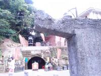 過橋後這是猴硐坑 前方柱子是運煤軌到的遺跡.銜接到猴硐坑上方<br/> 攝影:xcatx