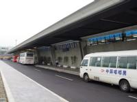 第一航廈大客車停靠處<br/> 攝影:Eva隨手拍