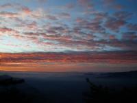 登山口高積雲日出<br/> 攝影:老山羊資訊網
