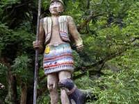 路旁原民風味雕像<br/> 攝影:老山羊部落格