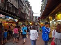 烏來商店街<br/> 攝影:Eva隨手拍
