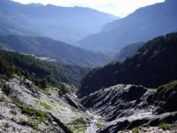 克難關層層山谷<br/> 攝影:老山羊部落格