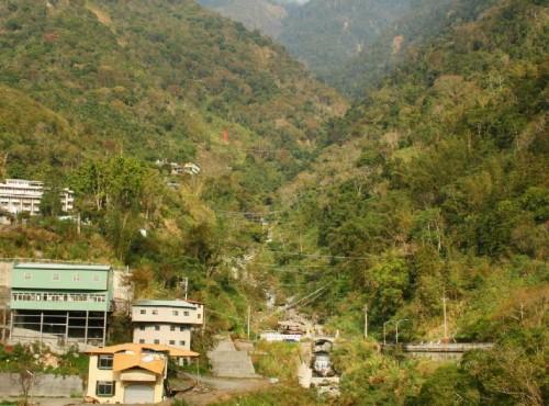 東埔溫泉-東埔村觀彩虹吊橋
