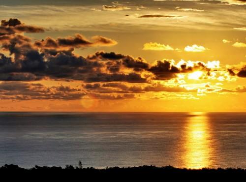 關山-金黃色的落日霞光