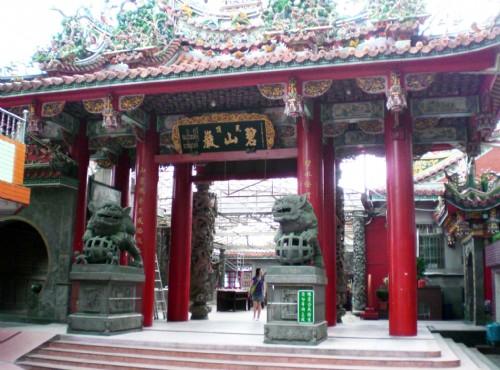 碧山巖-廟殿入口