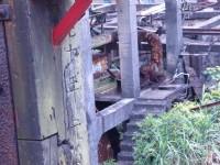 當年建築物得柱子上有年份<br/> 攝影:xcatx