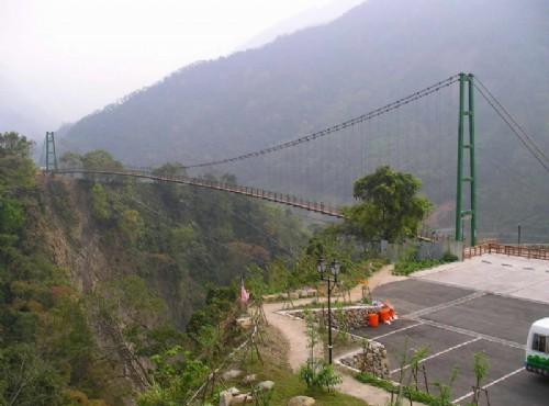 東埔溫泉-東埔村吊橋全景