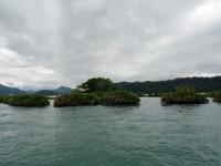 乘坐遊湖船即近身欣賞拉魯島<br/> 攝影:Eva隨手拍