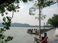 湖邊景觀<br/> 攝影:余錫堅
