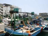 漁船靠滿岸邊<br/> 攝影:老山羊部落格