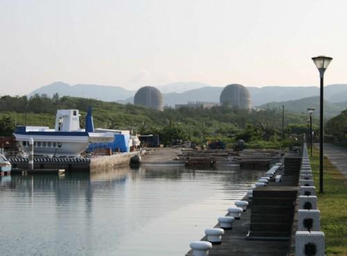 後壁湖遊艇碼頭-遊艇港與山色