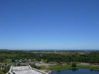 台東大學圖書館樓頂遠眺綠島<br/> 攝影:旅遊王攝影組