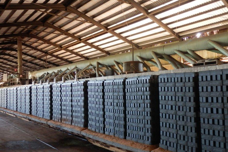 製作好的磚胚必須先放置戶外陰乾 / 日豐磚仔窯 提供