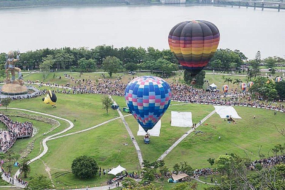 在桃園搭乘熱氣球可鳥瞰石門水庫美景/Machi