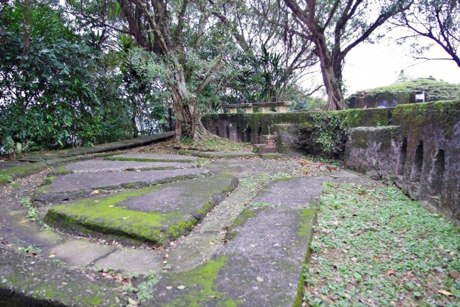 獅球嶺砲台是唯一地處市中心、基隆港最內陸的防禦砲台 / Eva隨手拍