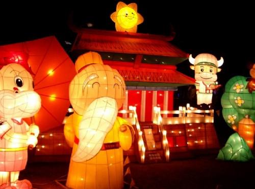 新春旅遊:中台灣賞花看燈會