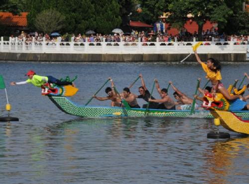 熱血沸騰的龍舟競賽/chiang