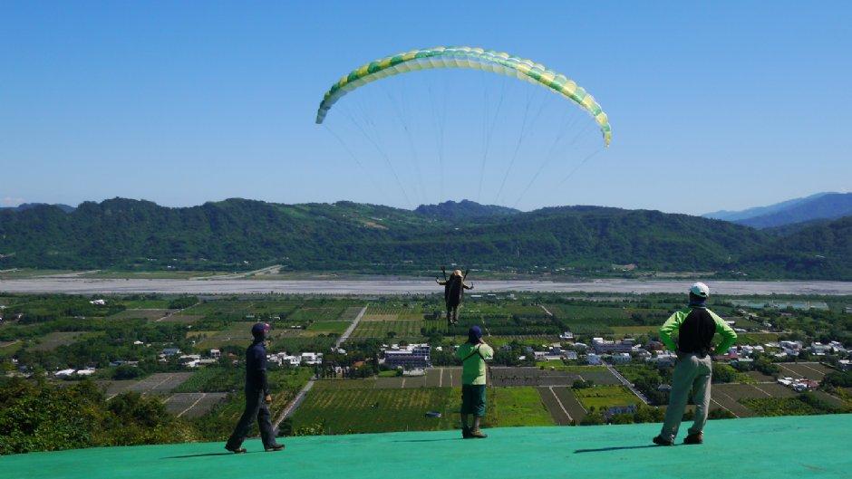 鹿野高台是飛行傘場地之一/Jacky