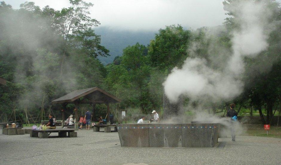 清水地熱除了泡腳區外還設有煮食區 / meiyin