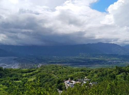 從鸞山部落瞭望花東縱谷/Lu